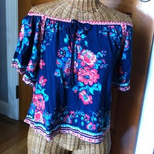 Flying Tomato floral multi color top size med
